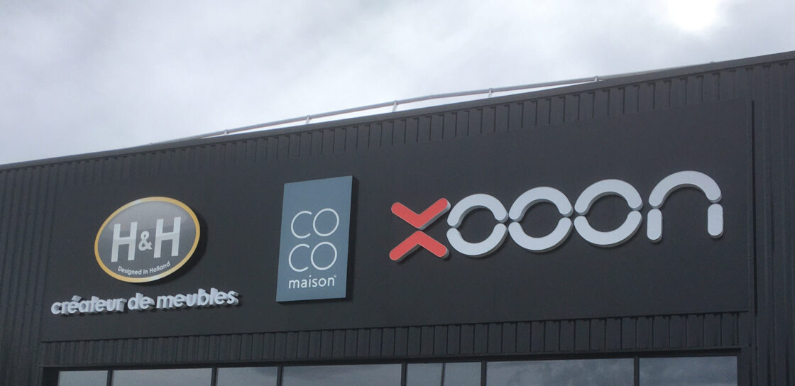 Fabrication pose enseigne lumineuse magasin a Tours